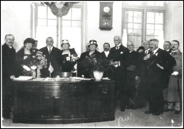Inauguration de l'Heure Joyeuse, 3 rue Boutebrie à Paris, en 1924